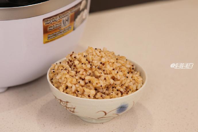 冬日暖锅是寒风中的温暖慰藉--我家的冬季保留菜单
