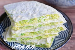 【卷心菜大馅饼】:怎样烙出还吃的菜饼?