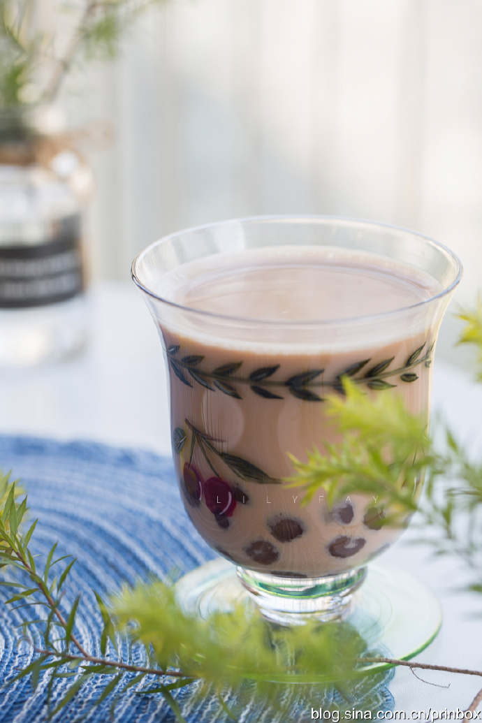 【早餐°】2019-12-12:黑米牛奶发糕/脆皮肠/美式炒蛋/珍珠奶茶