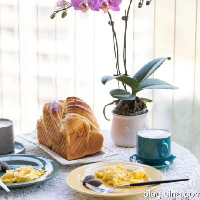 【早餐°】2019-12-27:椰子油椰蓉吐司/美式炒蛋/卡布奇诺