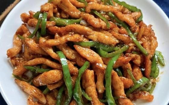 青椒炒雞胸肉絲食譜(青椒炒雞胸肉絲食譜)