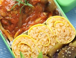 茄汁煮漢堡肉&『酷魯酷魯』蛋包飯(茄汁煮漢堡肉&『酷魯酷魯』蛋包飯)
