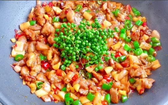 中秋美食—藤椒鸡