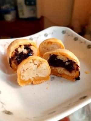 莲蓉流心月饼