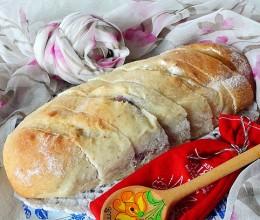 胚芽酸奶果酱面包