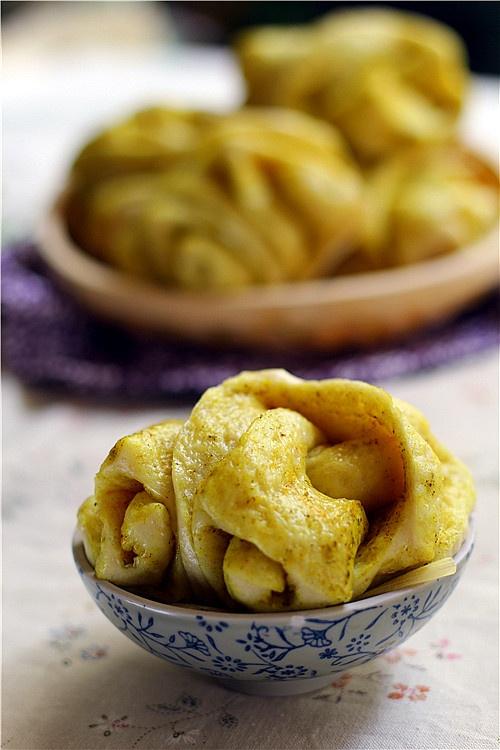 香豆子姜黄花卷