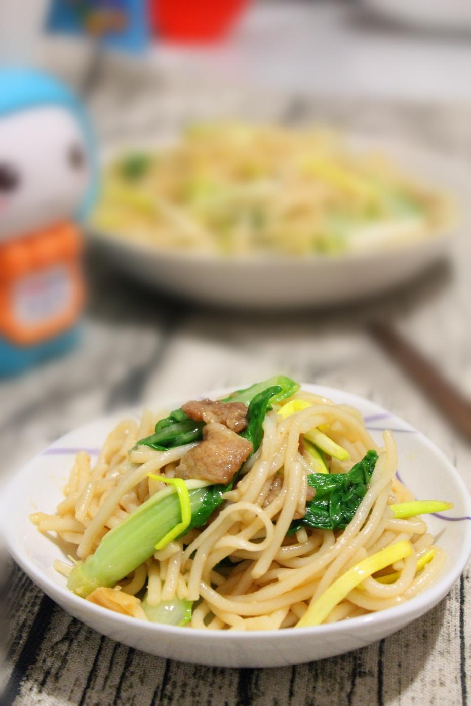 蔬菜炒米线