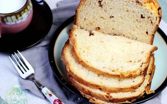 """""""一键式""""的果仁面包"""