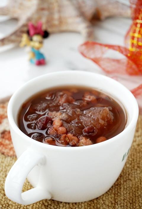 红豆薏米银耳羹