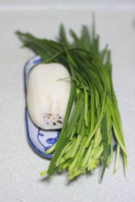 韭菜炒莲藕怎么做好吃