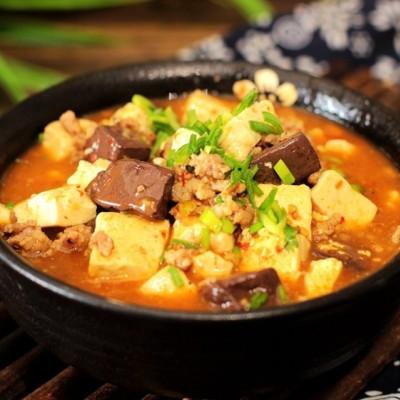 补血养颜-鸭血烩豆腐