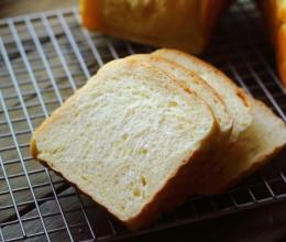 快速消耗淡奶油的最简便方法,就是给家人做个健康美味的吐司
