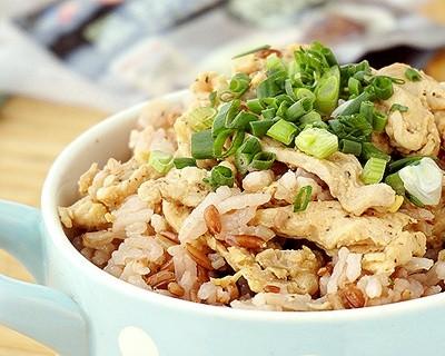 黑椒雞肉燜紅米飯