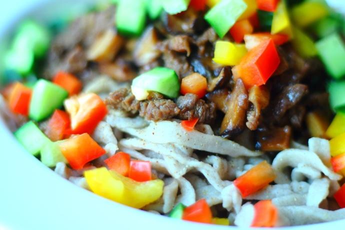 香菇牛肉荞麦面