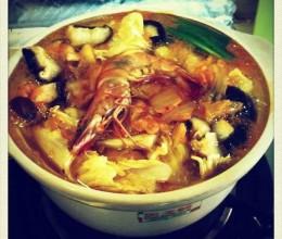 辣白菜海鲜火锅