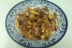剁辣椒豆瓣酱洋葱炒鸡蛋