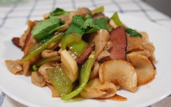 腊肉小炒杏鲍菇