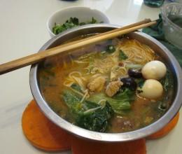 香菇鸡丁米线