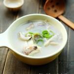 奶白鱼头菌汤(鱼汤怎么炖白)