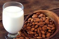 比脱脂牛奶热量还低的##杏仁奶##
