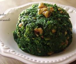 核桃仁凉拌蓬蒿菜