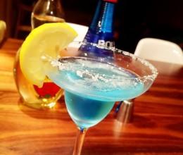 蓝色玛格丽特