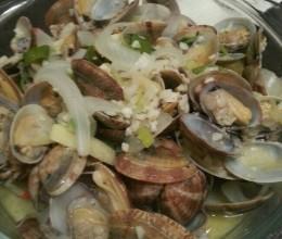 白葡萄酒煮蛤蜊