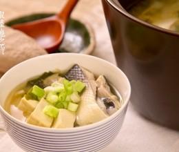 和风海带芽鲜鱼汤
