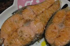 蒜鹽煎三文魚扒~