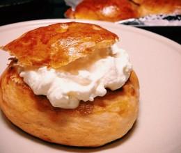 Semla 瑞典奶油豆蔻面包