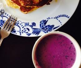 紫薯蓝莓奶昔