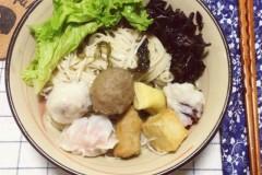 紫菜鱼丸汤面