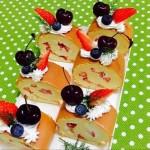 奶油水果装饰蛋糕卷
