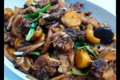茶樹菇栗子炆雞