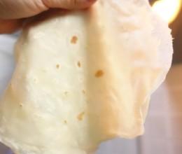 平底锅摊薄春饼