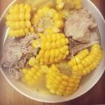 排骨玉米汤。
