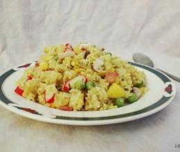 东南亚--菠萝海鲜炒饭