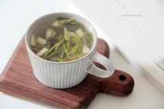 温柔的夏天,白桃绿茶