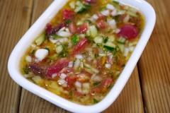 夏日蔬菜的万能橄榄油酱汁