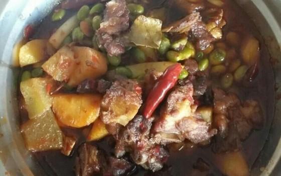 川味土豆青豆紅燒排骨