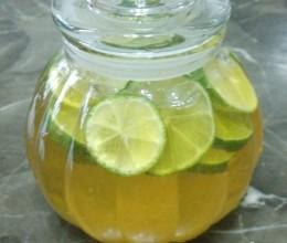 青柠蜂蜜水