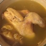 黄芪花胶土鸡汤