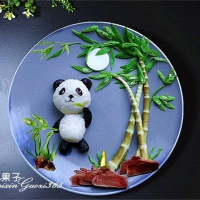 熊猫吃竹子拼盘