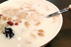 紅豆薏米銀耳牛奶羹