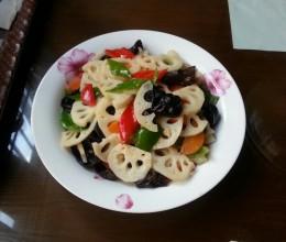 黒木耳炒藕片