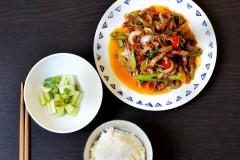 芹菜肉丝和泡芹菜