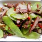 莴苣炒腊肉