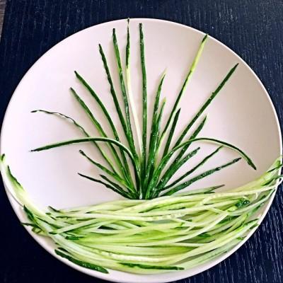 黄瓜造型摆盘