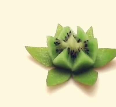 莲花猕猴桃水果拼盘