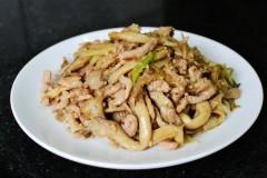 平菇炒肉~平菇肉丝